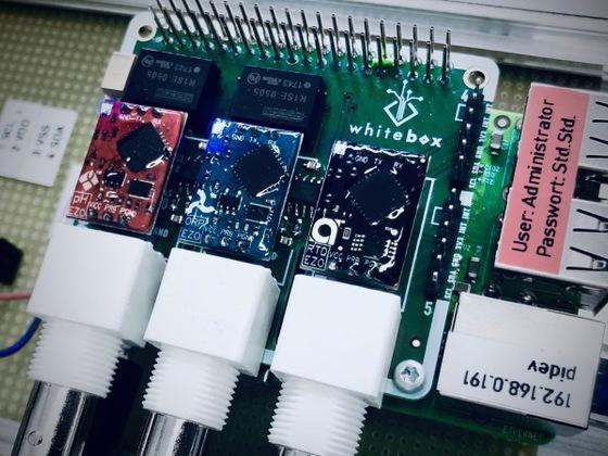 Raspberry Pi mit T3 Tentacle HAT und 3 EZO Modulen