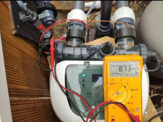 Voltmessung an einer 12g/h Titanzelle von Intex