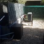 Wärmepumpe und Kiste für die Poolpumpe vom Hundepool
