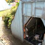 ... Pumpe und Filter sind praktischer Weise im Gartenwall eingelassen!!