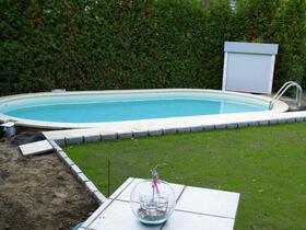 Oval-Pool